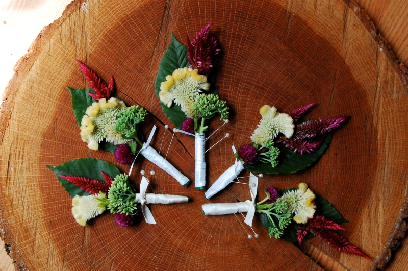 Boutonnieres by Megan.