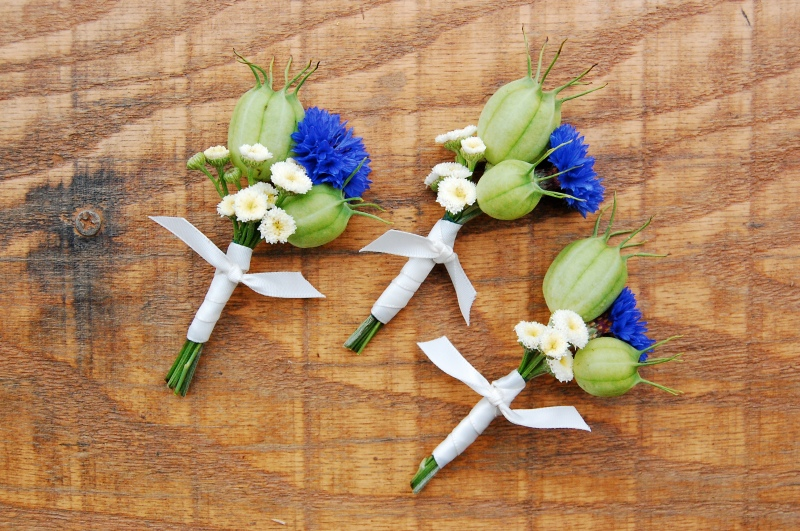 Boutonnieres with cornflower
