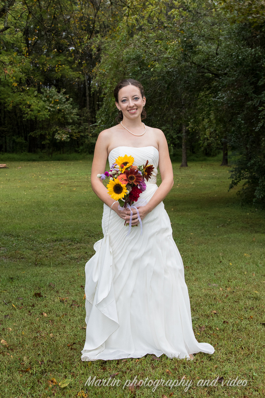 Aspen's DIY bridal bouquet. Photo courtesy of Martin Photography and Video (http://www.martinphotographyandvideo.com/).